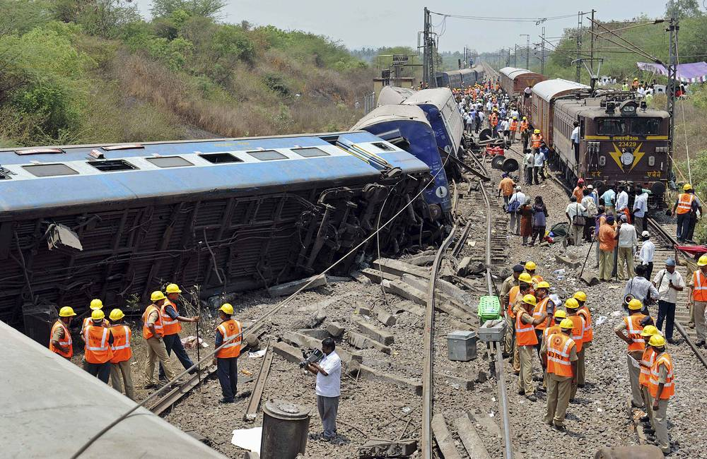 A passenger train traveling through southern India derailed causing 1 death and injuring dozens more on Apr. 10, 2013