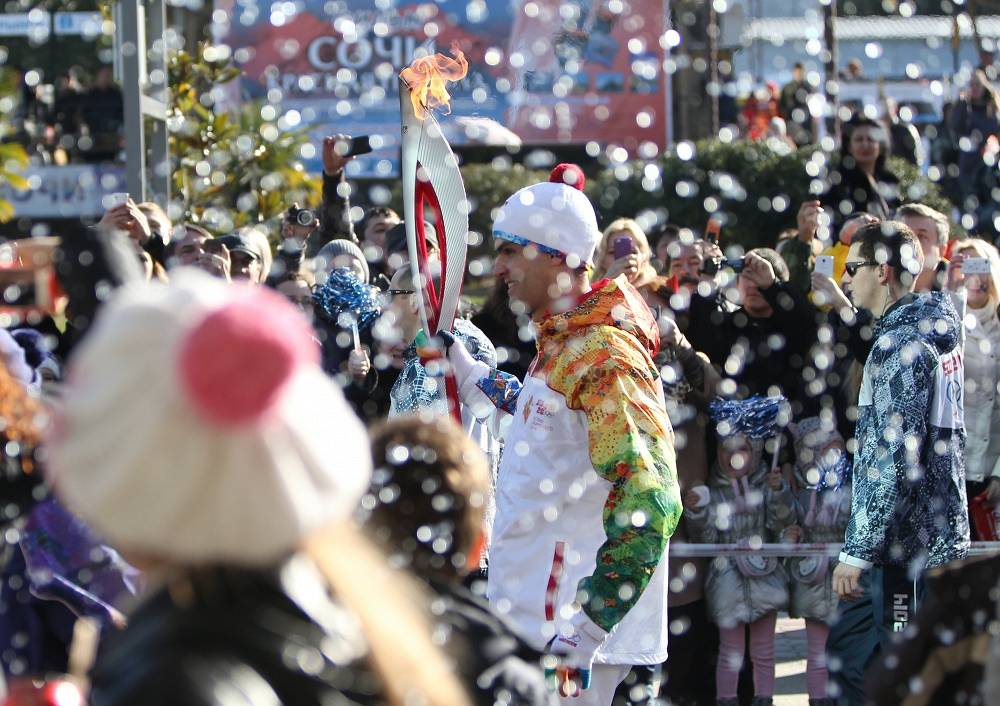 Olympic torch relay finally reached Sochi on Feb. 6
