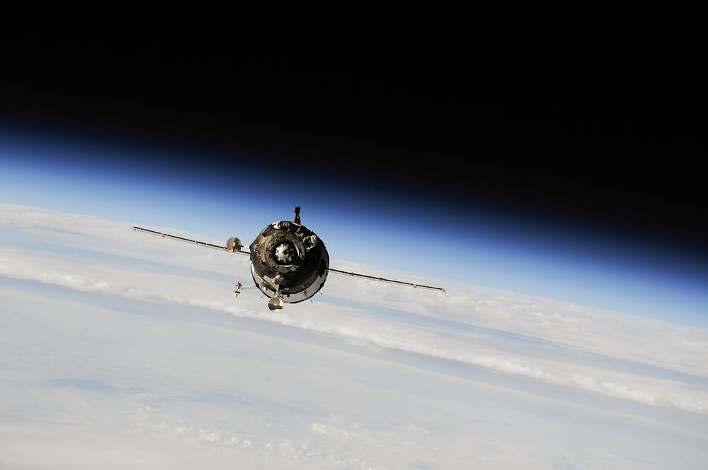 Soyuz TMA-10M spacecraft approaching the International Space Station