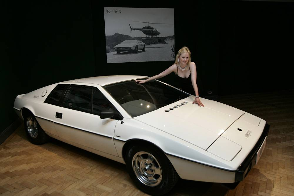 Lotus Esprit S1 from The Spy Who Loved Me (1977) turned into an amphibious car for the movie
