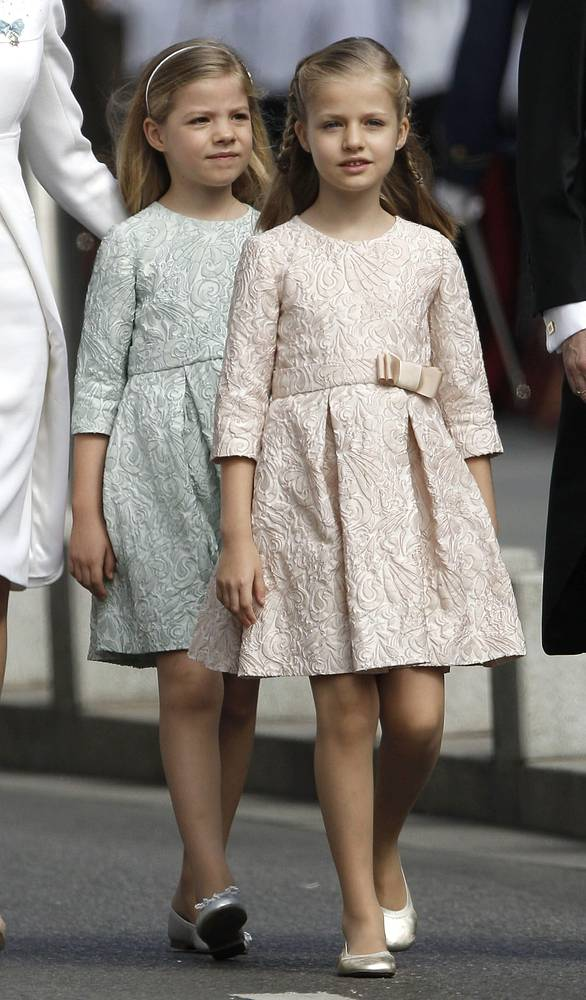 Spanish Princess Leonor of Asturias (R) and her sister Princess Sofia (L)