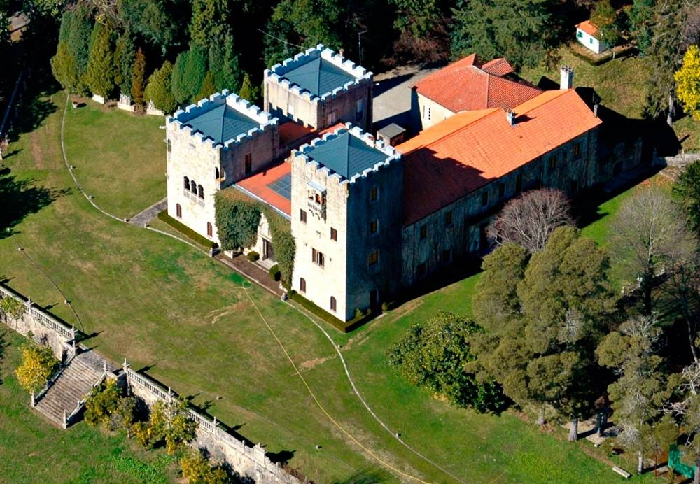 Pazo de Meiras, the residence of Spain's general Francisco Franco is available for tourists four days a month. This became possible due to approval of Franco's daughter Carmen