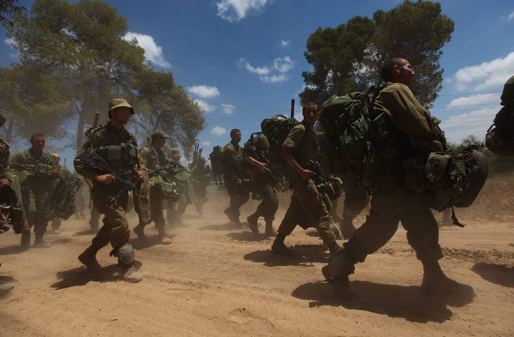 Israeli soldiers on the border with the Gaza Strip