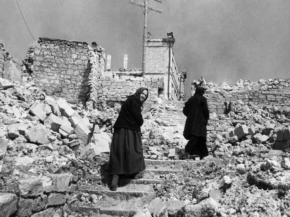 Residents of Sevastopol on the streets of the city destroyed by Germans in 1944