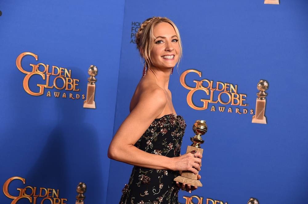 "Joanne Froggatt with the award for Best supporting actress in a series, miniseries or television movie for ""Downton Abbey"""