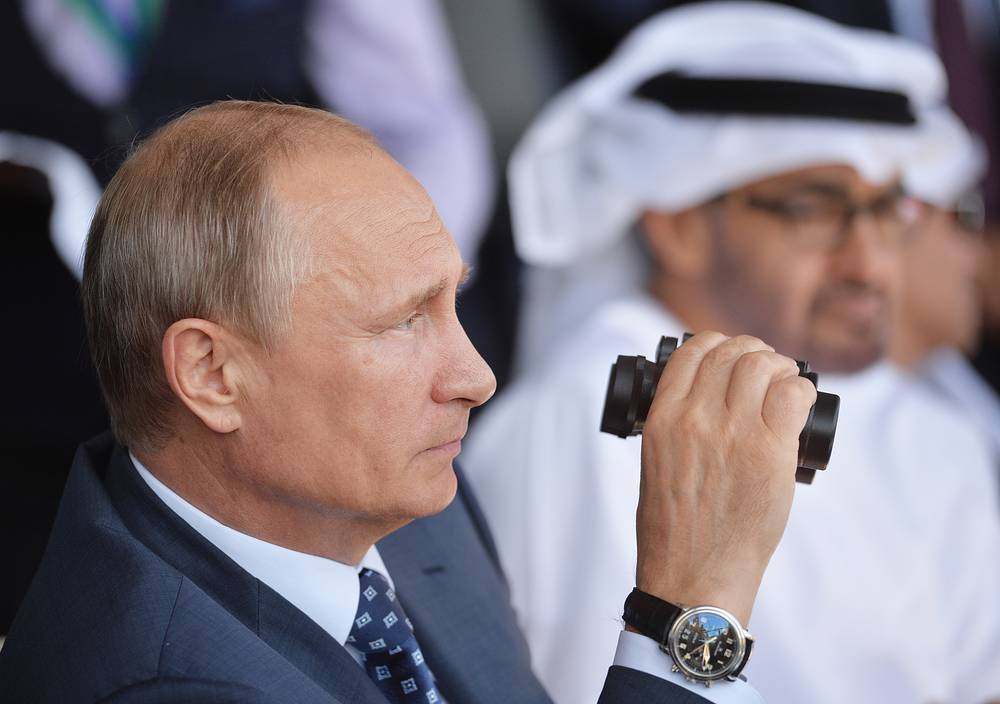 Russia's President Vladimir Putin and Crown Prince of Abu Dhabi, Deputy Supreme Commander of the United Arab Emirates Armed Forces Mohammed Al Nahyan at the opening of the 2015 MAKS International Aviation and Space Salon in the town of Zhukovsky, Moscow region