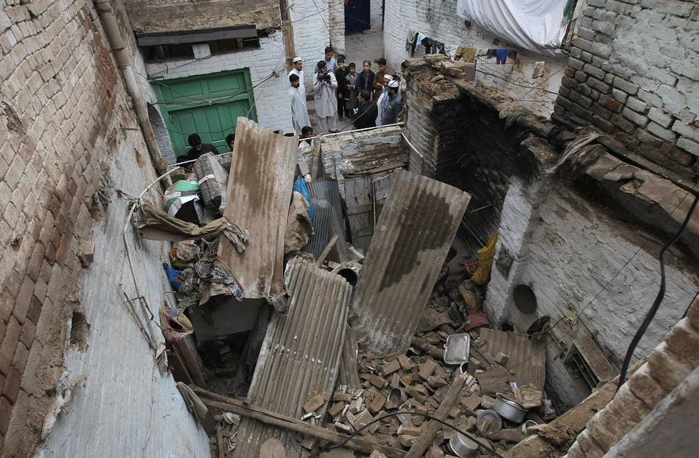 House damaged from an earthquake in Peshawar, Pakistan