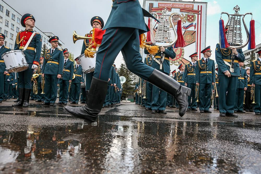 Moscow Garrison Band rehearsing for the parade at the Alabino range in the Moscow Region