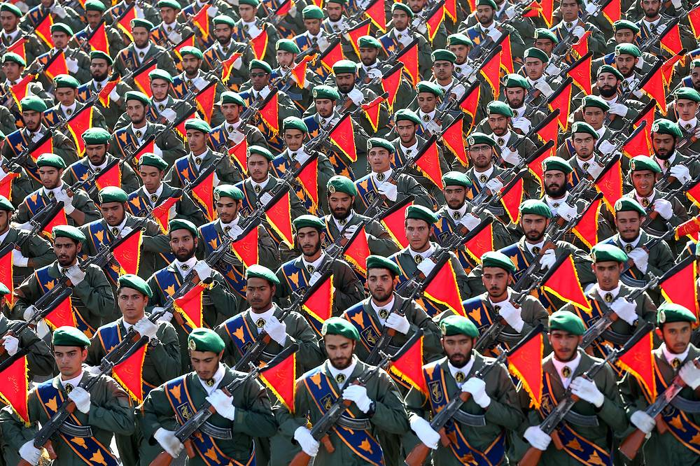 Iran's Revolutionary Guard troops