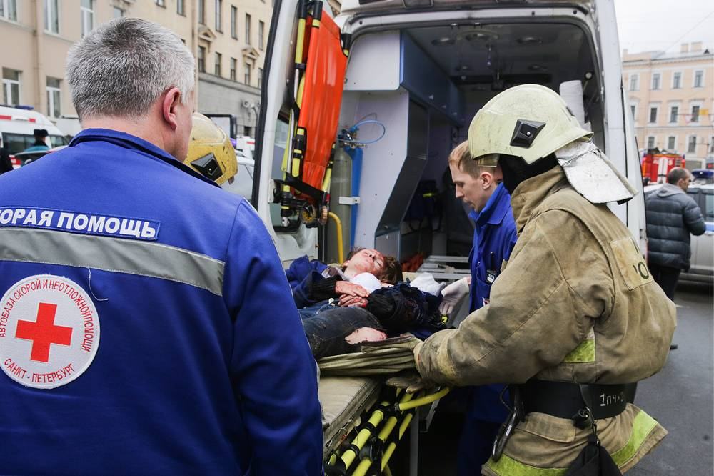 At about 14:40 Moscow time an unidentified explosive device went off in a metro train when it was mocing between the Tekhnologichesty Institut and Sennaya Ploshchad station in St. Petersburg