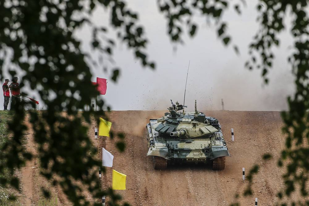 A tank crew in the Individual race event of the Tank Biathlon competition