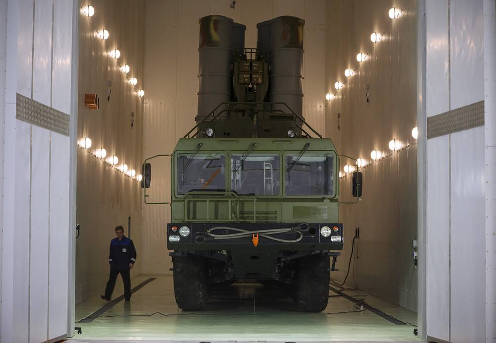 S-400 Triumf air defense missile system seen during testing in Saint Petersburg