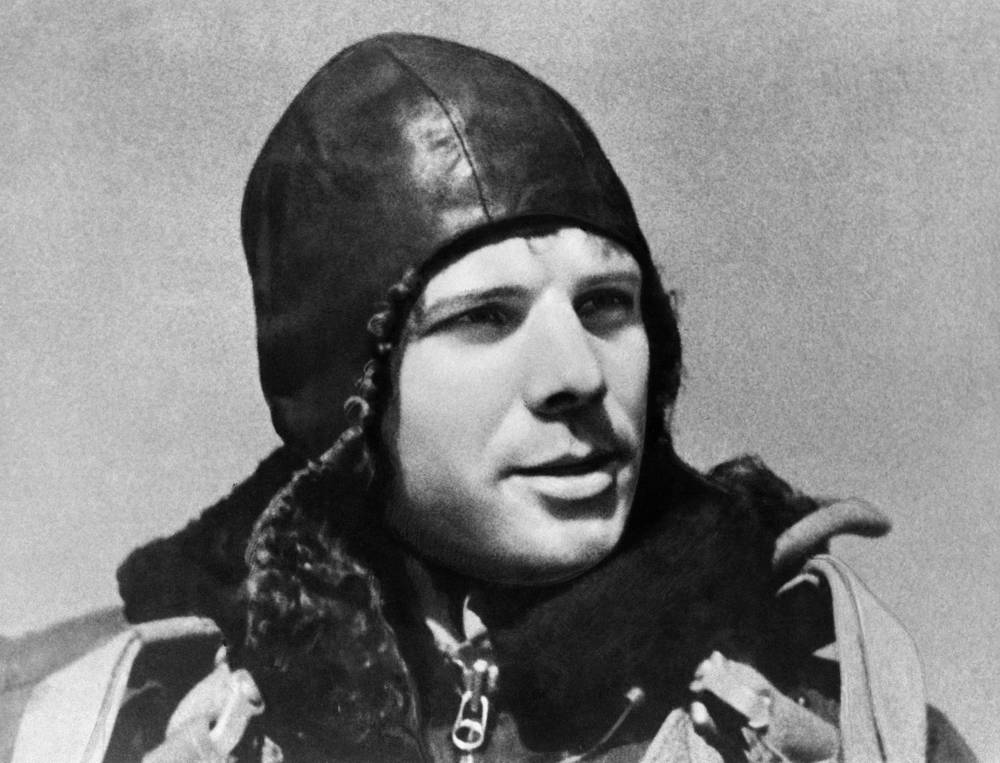 In 1960, after an extensive search and selection process, Gagarin was chosen with 19 other pilots for the Soviet space program