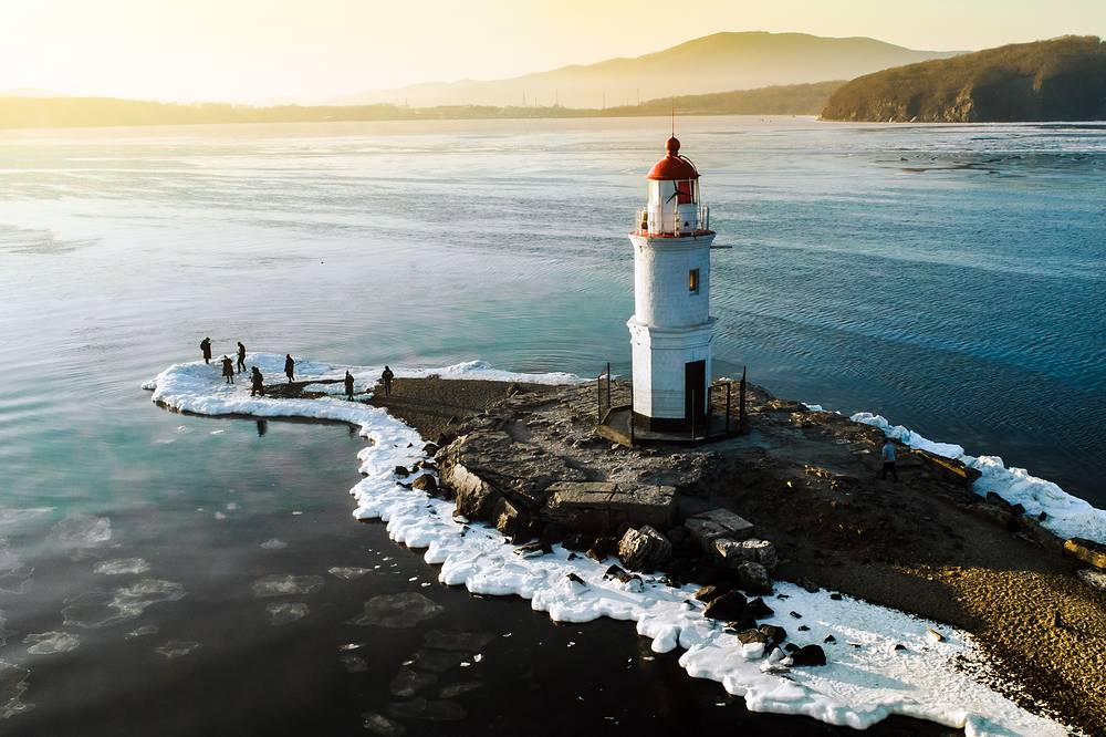 A view of the Tokarevsky lighthouse, one of the oldest in the Russian Far East, on Cape Egersheld in Vladivostok, January 27