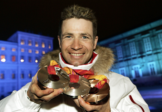Ole Einar with his 2006 Olympic medals
