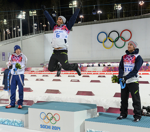French Martin Fourcade wins gold, Czech Ondrej Moravec gets silver and French Jean Guillaume Beatrix wins bronze