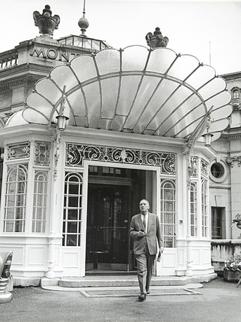 Nabokov at the entrance to Montreux Palace hotel in Switzerrland in 1967