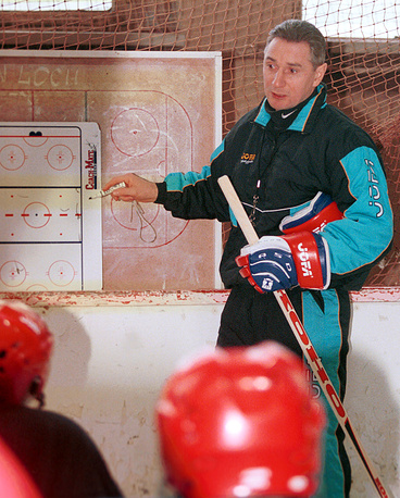 Alexander Yakushev coached the Russian squad in 1998-2000. Under Yakushev, Russian suffered it's mosty terrible failure at the 2000 World Championship in Saint Petersburg, finishing 11th