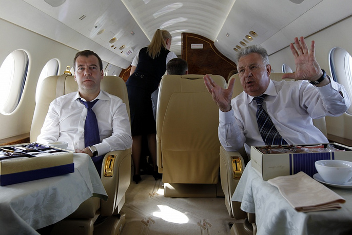 Russia's Prime Minister Dmitry Medvedev and Presidential envoy in the Far Eastern Federal District Viktor Ishayev in 2012