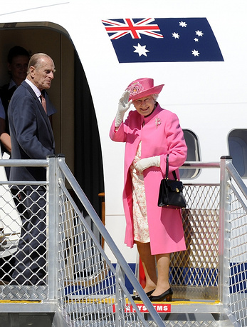 Queen Elizabeth and Prince Philipp in Melbourne