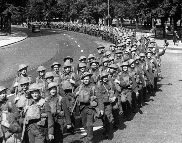 British soldiers march before being sent to France on September 10, 1939