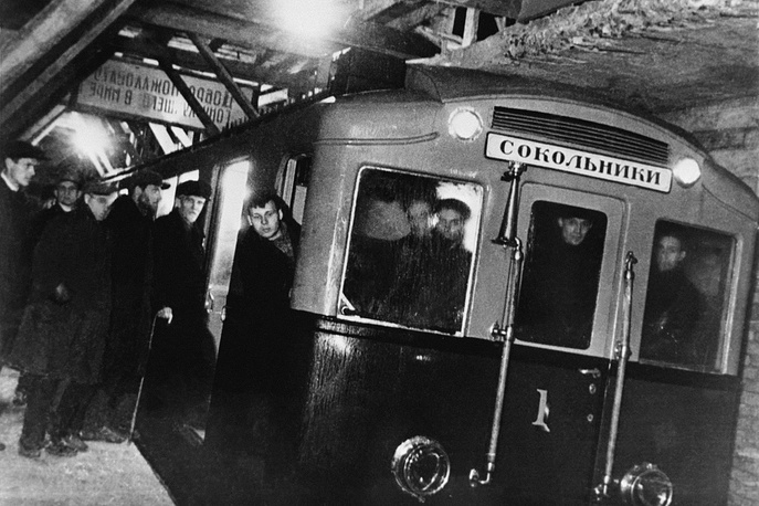 The first testing Moscow subway train making a test drive from the Komsomolskaya station to the Sokolniki station, 1934