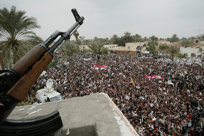 Photo: Demonstrations in Iraq to protest parliamentary elections, 2005