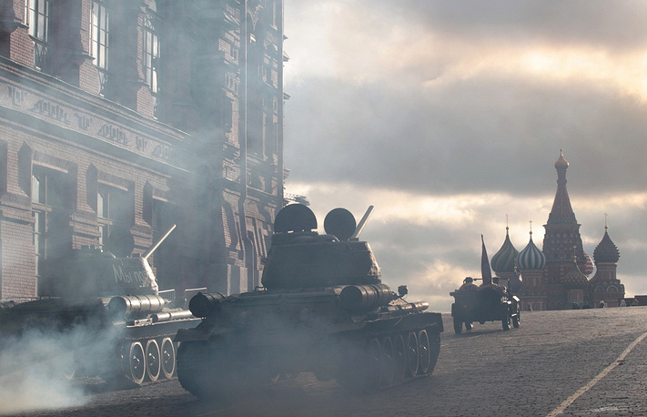 Photo: WWII-era Soviet T-34 tanks take part in the military parade on the Red Square in Moscow