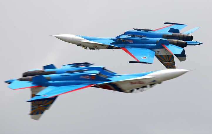 Sukhoi Su-27 supermaneuverable fighter jet was created to compete with the fourth-generation aircraft. Its most modern variants are able to perform almost all aerial warfare operations. Photo: Su-27 fighters of Russkiye Vityazi (Russian Knights) aerobatic team