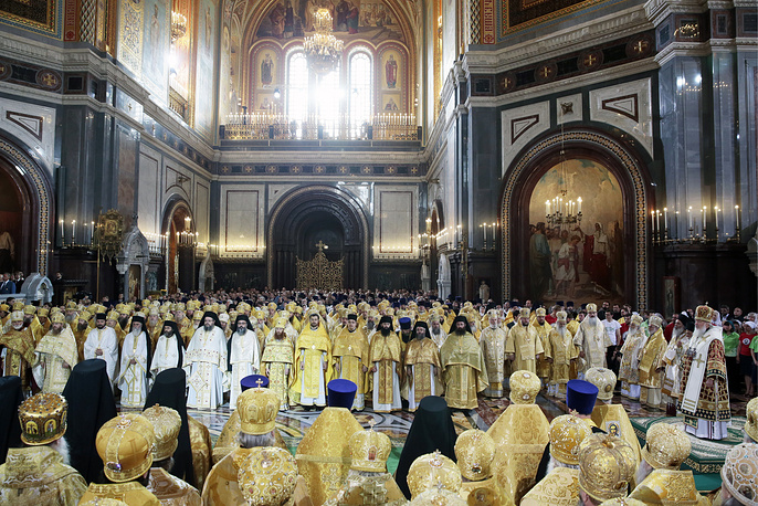 Orthodox believers mark the 1027th anniversary of Kievan Rus Christianization on 28 July. Photo: The Divine Liturgy at the Christ the Saviour Cathedral to mark the 1000th anniversary of Grand Prince Vladimir's death