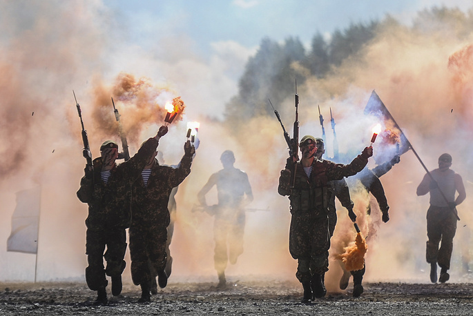 Novosibirsk Military Command Academy students performing ahead of the 3rd stage of the Masters of Reconnaissance competition