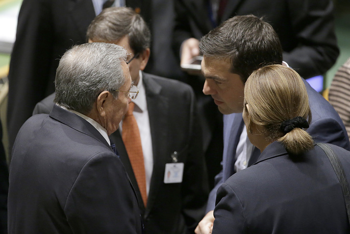 Cuban President Raul Castro and Greek Prime Minister Alexis Tsipras