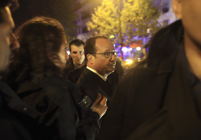 French President Francois Hollande declared the state of emergency in the country and closure of state borders. Photo: Francois Hollande at the site of the the Bataclan theater after the shooting