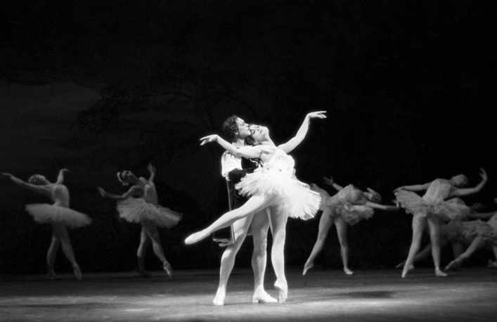 Bolshoi Ballet principal dancers Nikolai Fadeyechev as Prince and Maya Plisetskaya as Princess Odette performing a scene from Tchaikovsky's Swan Lake ballet, 1958
