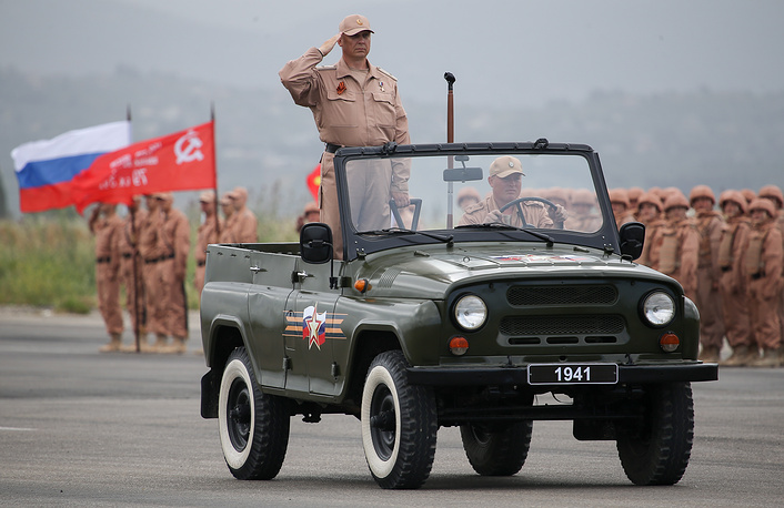 Russian military during a rehearsal for a 9 May parade at Hmeimim airbase in Syria