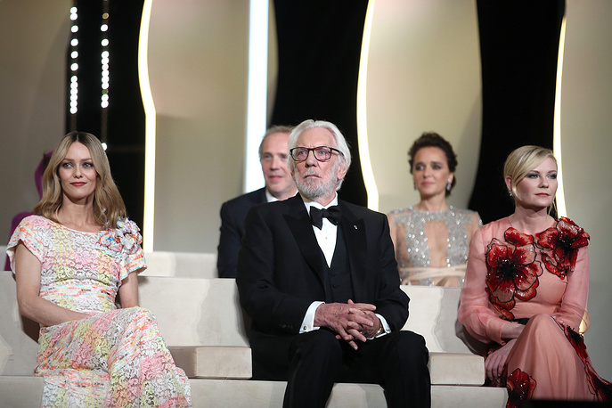Jury members Vanessa Paradis, Donald Sutherland and Kirsten Dunst