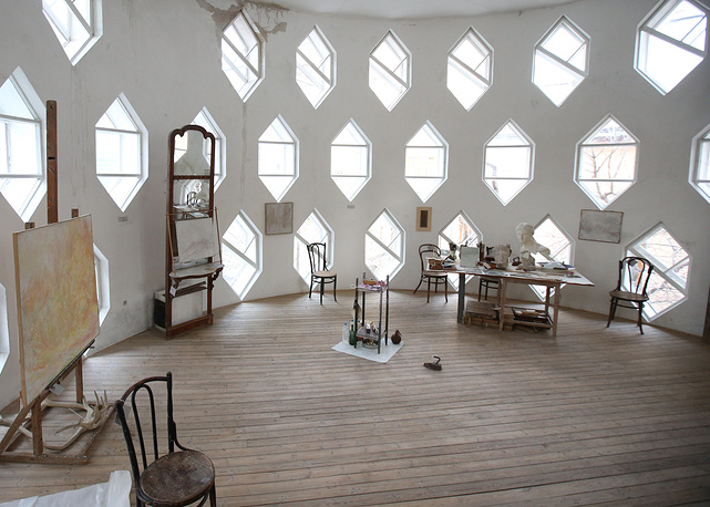 Inside the main studio of the Melnikov House