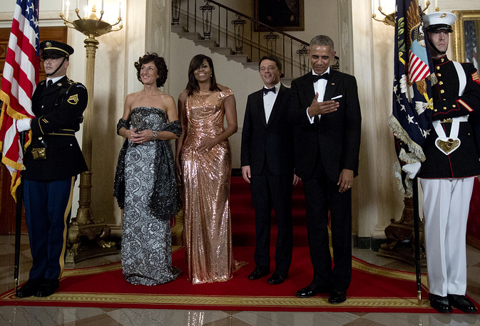US President Barack Obama and first lady Michelle Obama with Italian Prime Minister Matteo Renzi and his wife Agnese Landini at the state dinner in White House, October 18