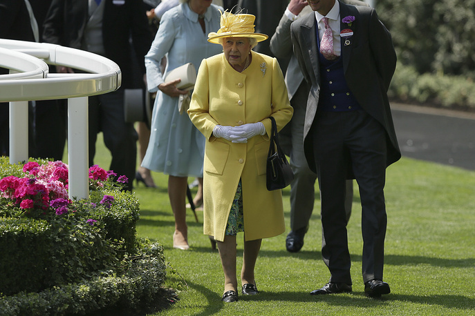 Britain's Queen Elizabeth II arrives at the parade ring on the second day of the Royal Ascot horse race