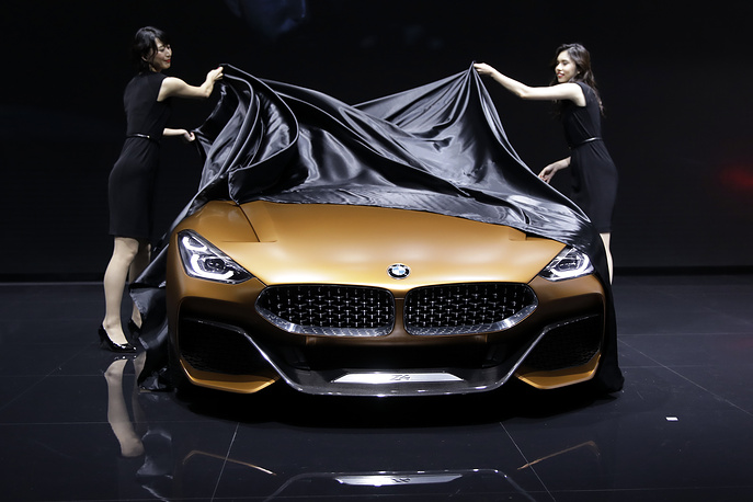 BMW AG's BMW Z4 Concept is unveiled during a press briefing at the 45th Tokyo Motor Show 2017 in Japan