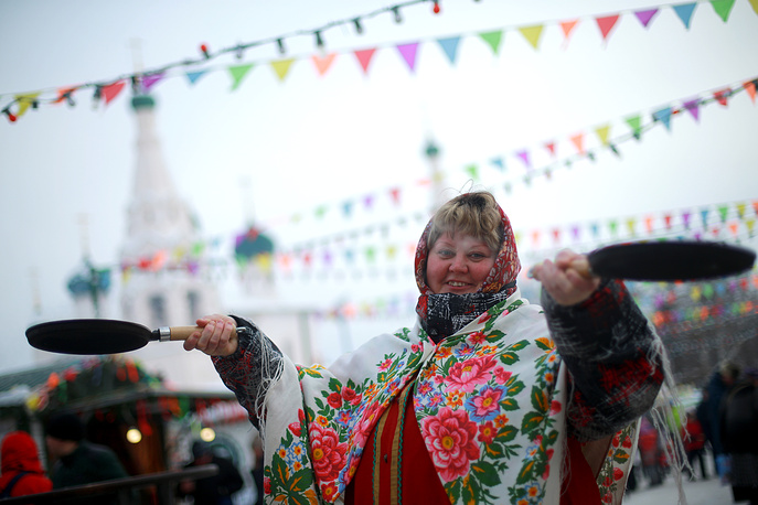 A celebration of Maslenitsa festival in central Vladimir