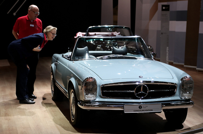The world fair for classic and vintage cars takes place from 21 March to 25 March. Photo: Vintge Mercedes-Benz 280 SL (W113) convertible