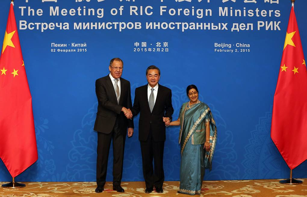 Foreign Minister of Russia Sergey Lavrov, China's Wang Yi and India's Sushma Swaraj EPA/WU HONG/POOL