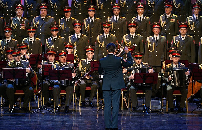 Renewed Red Army Choir gives first concert in Moscow