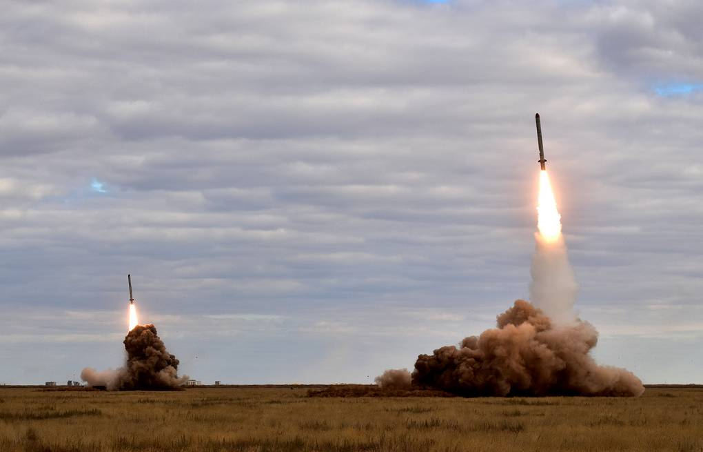 The launch of missiles at the Kapustin Yar testing range Russian Eastern Military District Press Office/TASS