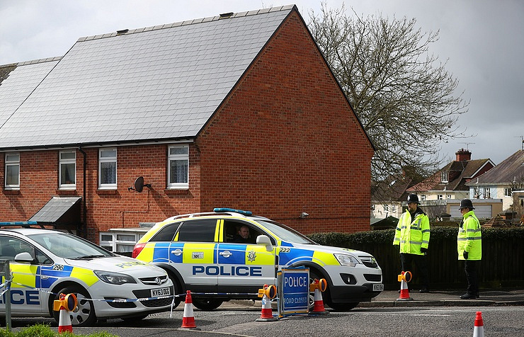 Police officers near Sergei Skripal's home  REUTERS/Hannah McKay