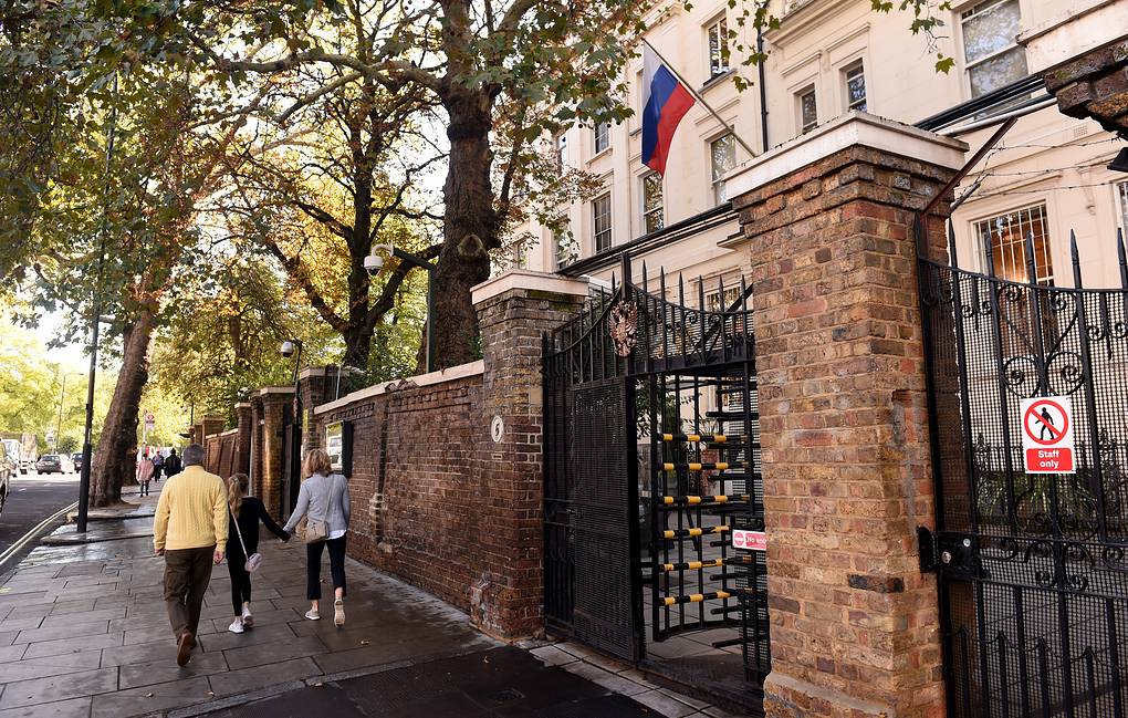 Russian Embassy in London EPA-EFE/FACUNDO ARRIZABALAGA