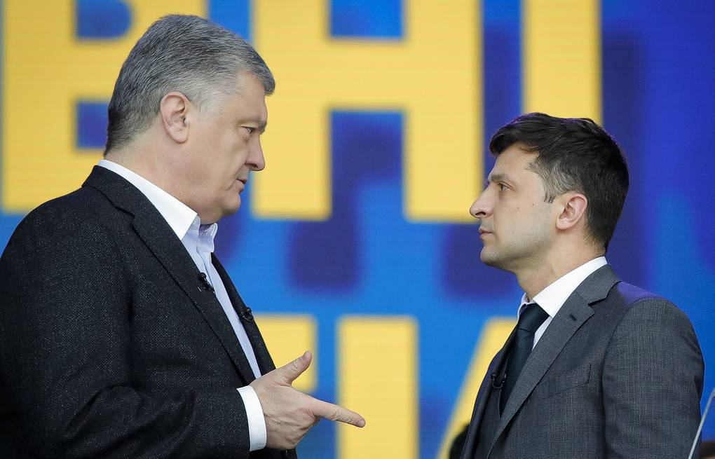 Pyotr Poroshenko and Vladimir Zelensky  AP Photo/Vadim Ghirda