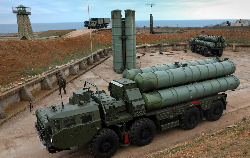 S-400 surface-to-air missile systems Sergei Malgavko/TASS