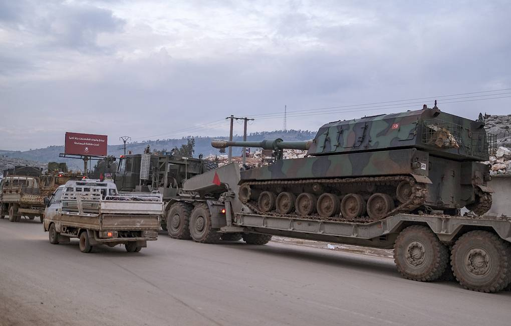 Turkish army artillery in the east of Idlib, Syria AP Photo